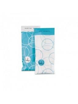 Kit dentale con spazzolino e dentifricio in bustina apri e chiudi fantasia blu e bianco.